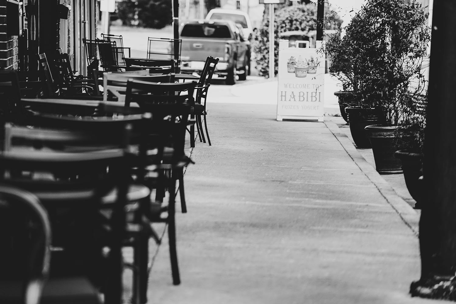 Outdoor Cafe B&w